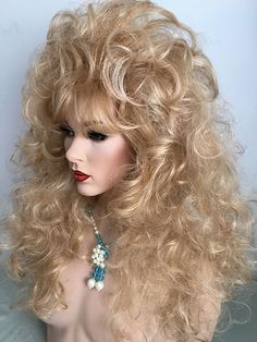 Big, Sexy Wig. Teased layers, Fluffy, wavy, 80's, Glam Rock
