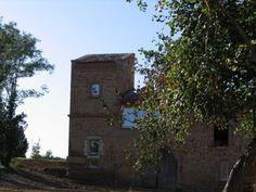 LABOURGADE pigeonnier accolé à une maison