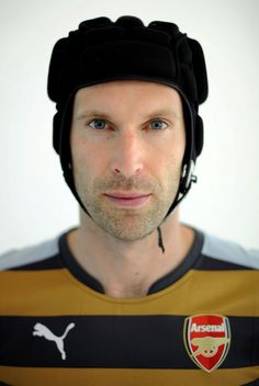 Petr Cech poses with Arsenal shirt after sealing move from Chelsea But Football, Arsenal Football, World Football, Arsenal Kit, Arsenal Players, Match Of The Day, Transfer Window, Everton Fc, Sports Brands