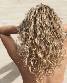 Hairstyles Long 15 Gorgeous Examples of Blonde Curly Hair.Hairstyles Long 15 Gorgeous Examples of Blonde Curly Hair Curly Hair Styles, Curly Hair Cuts, Medium Hair Styles, Curly Hair Layers, Curly Hairstyles For Medium Hair, Long Layered Curly Hair, Long Curly Haircuts, Blonde Layered Hair, Medium Curly