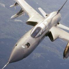 F-105 in flight refueling