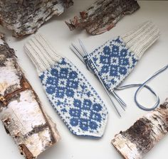 Holidays And Events, Fingerless Gloves, Arm Warmers, Mittens, Knitting Patterns, Monogram, Crochet, Crafts, Handmade