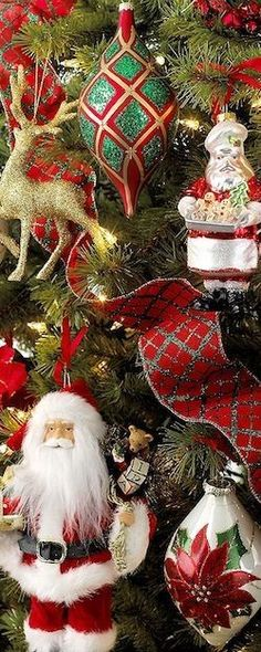 ✴Buon Natale e Felice Anno Nuovo✴Merry Christmas and Happy New Year✴ Tartan Christmas, Noel Christmas, Green Christmas, Winter Christmas, All Things Christmas, Vintage Christmas, Christmas Wreaths, Christmas Decorations, Christmas Ornaments
