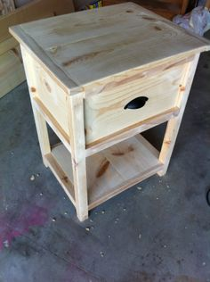 Free DIY Woodworking Plans for Building a Nightstand: The Quaint Cottage's Free Nightstand Plan Build a stylish and functional piece of bedroom furniture with these free DIY nightstand plans that include building directions, photos, and diagrams. Popular Woodworking, Fine Woodworking, Woodworking Crafts, Woodworking Basics, Woodworking Machinery, Woodworking Classes, Youtube Woodworking, Woodworking Workshop, Woodworking Techniques