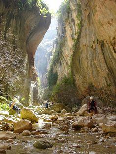 Overview of Zahara de la Sierra, Cadiz (picture is the nearby Garganta Verde) Cadiz, Bergen, Spain Holidays, Happy Trails, Spain And Portugal, Sierra, Nature Animals, Spain Travel, Waterfall