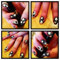 Monochromatic flowers nail art
