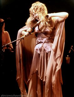 Stevie onstage ~ ☆♥❤♥☆ ~ wild, passionate, beautiful in soft apricot satin and chiffon
