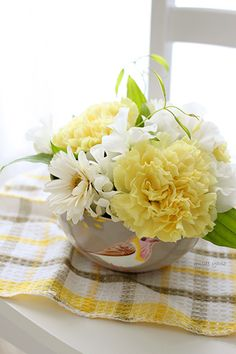 Floral Arrangement ~ yellow, white