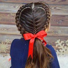 Easy Boho Hairstyle For Long Hair - 20 Trendy Half Braided Hairstyles - The Trending Hairstyle Half Braided Hairstyles, Fancy Hairstyles, Bob Hairstyles, Summer Hairstyles, Cute Little Girl Hairstyles, Flower Girl Hairstyles, Look Girl, Cut My Hair, Toddler Hair