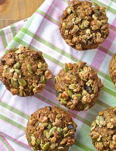 «CARROT CAKE» OAT BRAN MUFFINS scroll down for recipe in English…. Le terme «muffin» est trop souvent galvaudé sur la blogosphère culinaire. Al…