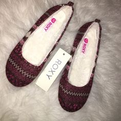 NWT Roxy Slippers in Size 9 Brand new with tags ROXY slippers. Fluffy on the inside and durable soles on the bottom. Cute and comfortable! Roxy Shoes Slippers
