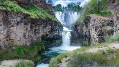 """There are at least 238 waterfalls in Oregon, and there's so many that don't get the recognition they deserve. This little hidden gem is known as White River Falls State Park, and you will find just 35 miles south of the Dalles, along Highway 216. One person on TripAdvisorrefers to this hike as """"hea"""