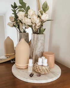 Room Ideas Bedroom, Bedroom Decor, Entryway Decor, Beige Room, Vanity Decor, Aesthetic Room Decor, Home Decor Inspiration, Home Accessories, Living Room Decor
