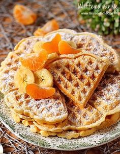 Whole Wheat Oatmeal Waffle Recipe *Delicious* Jason added brown sugar Waffle Recipes, Baby Food Recipes, Cooking Recipes, Healthy Recipes, Healthy Foods, Oatmeal Waffles, Good Food, Yummy Food, Recipe Images