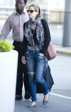 Emma Watson Hot Pics in Blue Tight Torn Jeans