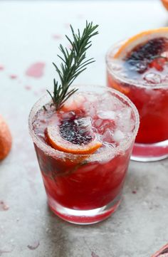 Blood Orange Bourbon Smash with Spicy Vanilla Sugar - Take your next cocktail hour to a new, delicious level with this refreshing cocktail.