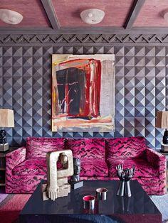 Kelly Wearstler, pink tiger sofa: subtle and understated. Kelly Wearstler, Sofas Vintage, Architecture Restaurant, Estilo Interior, Interior Decorating, Interior Design, Simple House, Home Decor Inspiration, Decor Ideas