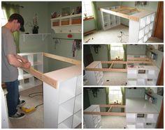 Il relie 3 étagères Ikea avec du bois et en fait le meuble dont rêvait sa femme depuis longtemps! - Trucs et Bricolages