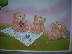ζωγραφική σε κοριτσίστικο δωμάτιο