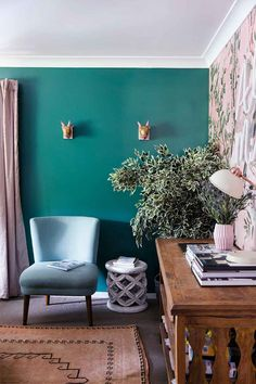 Emerald, turquoise green wall in living room with pink tones. Living Room Turquoise, Living Room Green, Feature Wall Living Room, Freedom Furniture, Pink Cushions, Kitchen Benches, Front Rooms, Living Styles, House Colors