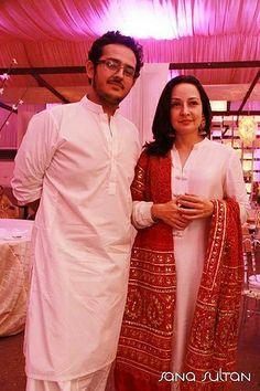 Zeba Bakhtiyar with her son Azaan Sami. :)