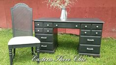 Roberta Burke at Eastern Shore Chic gave this desk and chair an incredible transformation using Midnight Sky. #paintedfurniture #dixiebellepaint #midnightsky #diy