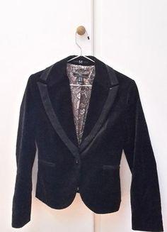 À vendre sur #vintedfrance ! http://www.vinted.fr/mode-femmes/autres-manteaux-and-vestes/25792741-veste-mango-noire-velours-36