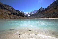 Wallis Sehenswürdigkeiten: 40 Ausflugsziele und schöne Orte - Travelstory.ch Wallis, Seen, Mountains, Nature, Outdoor, Vacations, Travelling, Switzerland, Europe