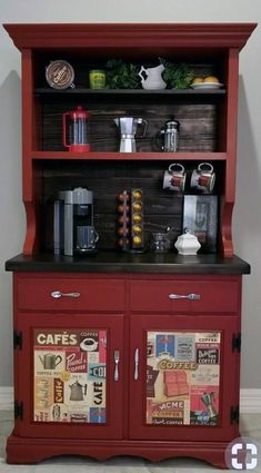 The best way to build your own Coffee Area at the office, these tips will Leave you speechless Bar Hutch, Kitchen Hutch, Armoire Bar, Old Kitchen, Kitchen Small, Coffee Bar Station, Home Coffee Stations, Coffee Bars In Kitchen, Coffee Bar Home