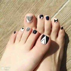 New pedicure nail art designs toenails black white Ideas Nail Art Designs, White Nail Designs, Pretty Toe Nails, Cute Toe Nails, Pedicure Nail Art, Toe Nail Art, Glitter Pedicure Designs, White Pedicure, Feet Nail Design