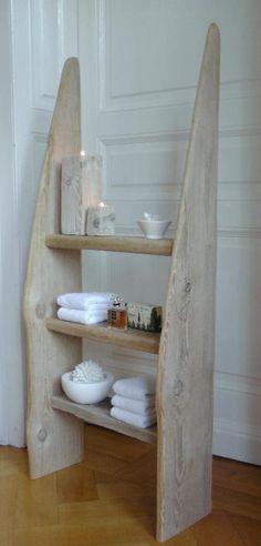 Holzregal fürs Bad