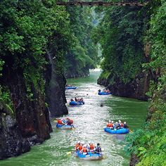 If you're in need of adventure, the Pacuare River is your spot! Book your adventure with Costa Rica Experts.