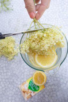 Elderflower, Preserves, Pesto, Vegetarian Recipes, Food And Drink, Smoothie, Drinks, Vegan Food, Aromatherapy