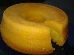 A Receita de Bolo Pamonha é deliciosa e fácil de fazer. A massa do bolo fica bem líquida, pois o resultado final é um bolo com a umidade de um pudim e o sa