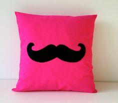 Neon roze kussen hoes snor van hiehie op Etsy, $32.00