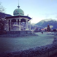 Beautiful Christmas morning in Bergen (link to photographer's instagram)