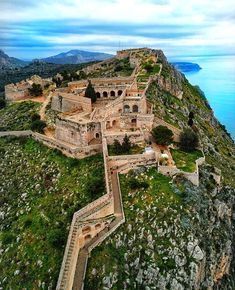 Visit #PalamidiCastle, in #Nafplio! 💙 @perfect_greece #Greece #Peloponnese