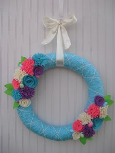 Easter Yarn Wreath in Turquoise with Easter Eggs