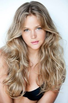 Hair Color Trends 2018 – Highlights Honey hair Discovred by : Brooke Albers Beauté Blonde, Blonde Waves, Medium Blonde, Blonde Highlights, Neutral Blonde Hair, Chunky Highlights, Blonde Hair Girl, Caramel Highlights, Color Highlights