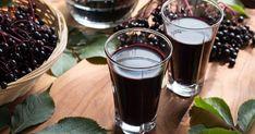 Okrem sirupu z plodov bazy čiernej si tentokrát pripravte aj domáci likér.