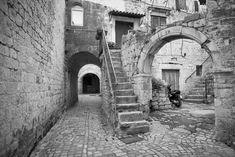 Streets of Trogir #croatia #travel #unesco #trogir #bw #street #leica