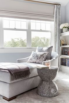Bedroom Reading Nooks, Bedroom Nook, Small Space Bedroom, Small Spaces, Master Bedroom, Hamptons Bedroom, Comfy Armchair, Transitional Bedroom, Pink Sofa