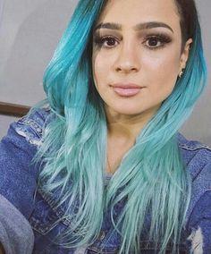 Cabelo azul degradê Daniela Araújo