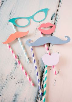 photobooth props: Introducing 21 New Ways to Use Paper Straws | Brit + Co.