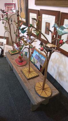 Wood Carving Tools, Wood Carvings, Tweet Tweet, Wood Bird, Bucks County, Bird Tree, Carved Wood, Teaching Art, Paper Mache