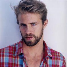 Beard & plaid shirt my look!
