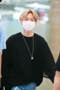 Airport Style, Airport Fashion, Kim Junmyeon, Xiu Min, Park Chanyeol, Most Beautiful Man, Kyungsoo, Boy Groups, Rapper