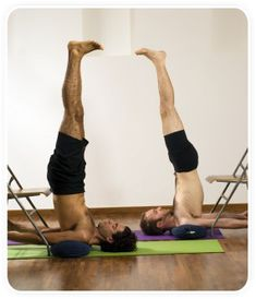 les 119 meilleures images de postures inversées  yoga