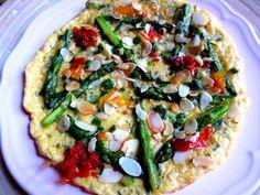 Galette aux asperges, poivrons et fromage de brebis / Fritada o torta aplanada de espárragos y queso de oveja / Asparagus Peppers & Goat Cheese Tart
