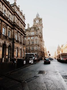 Edinburgh, Scotland :: This Is Glamorous | Beauty : Caring for Winter Skin with Crème de la Mer
